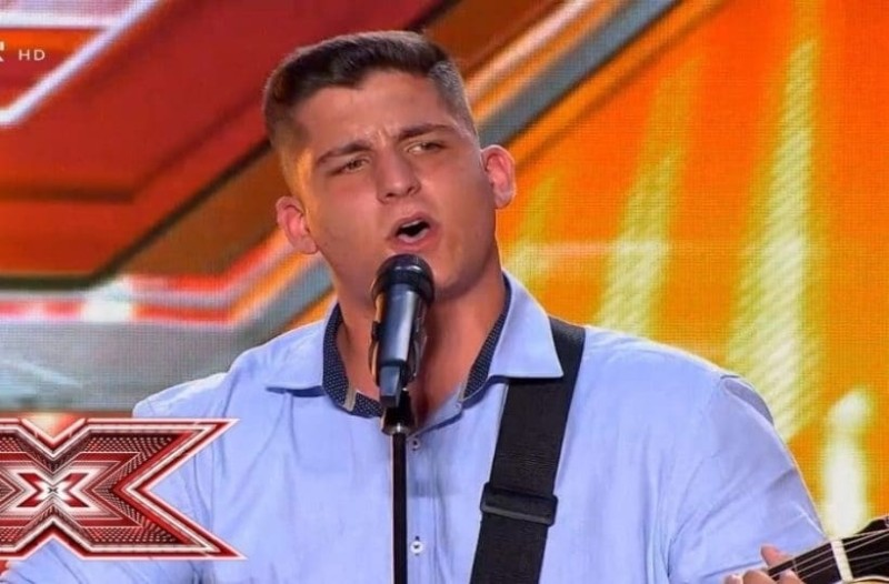 X-Factor: Αυτός είναι ο 16χρονος που τραγούδησε για την κοπέλα του και μας συγκίνησε! (Video)