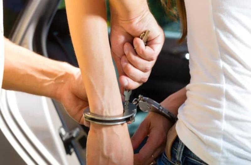 Συνέλαβαν μαθήτρια δημοτικού! Χειροπέδες σε… 6χρονη! (photo-video)