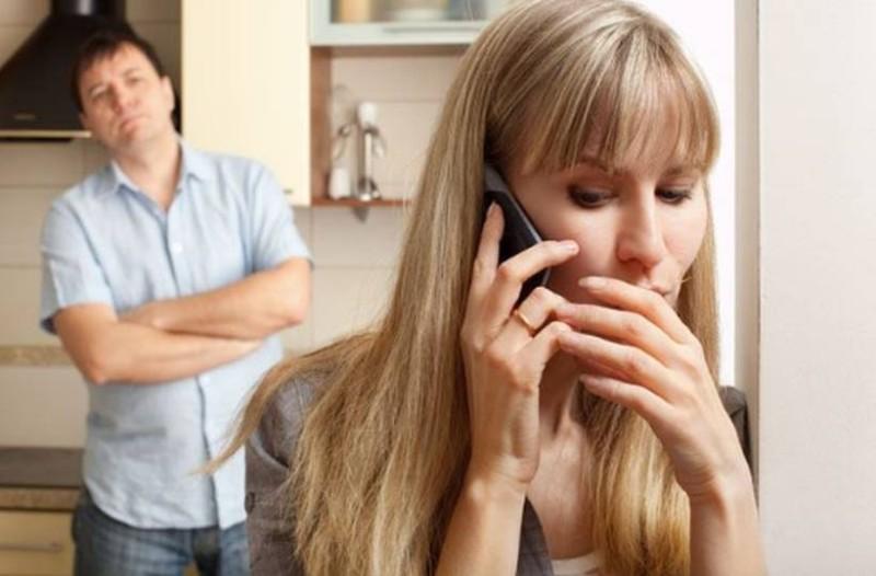 Γιώτα, 34 ετών: Θέλω πίσω τον άντρα μου. Τον άφησα για άλλον, αλλά τώρα που κληρονόμησε τον θείο του άλλαξαν όλα