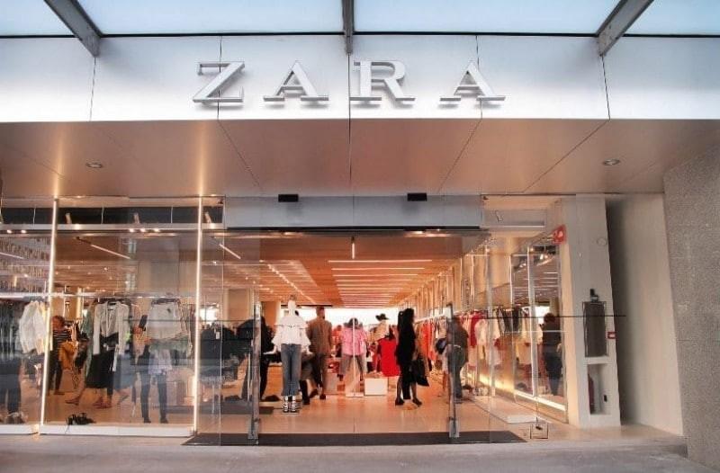 ZARA: Το απόλυτο παλτό που μοιάζει πανάκριβο και κάνει μόνο 29 ευρώ!
