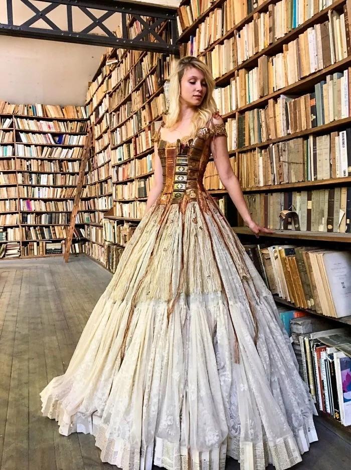 Φόρεμα βιβλία