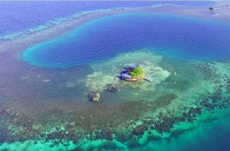 Αυτό είναι το ιδιωτικό νησί που κοστίζει μόλις 370 ευρώ τη βραδιά! Πώς θα κάνετε διακοπές στον Παράδεισο;