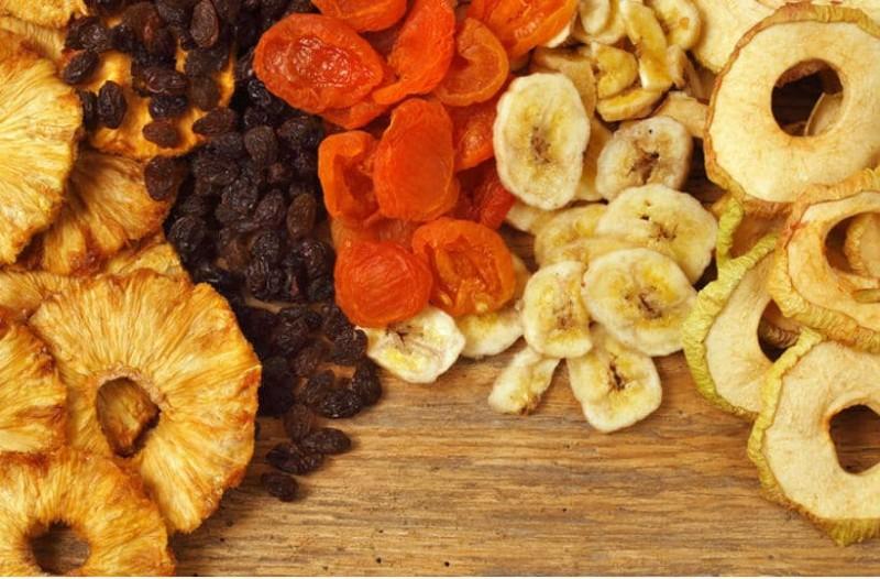 Φρέσκα φρούτα VS Αποξηραμένα: Ποια είναι πιο θρεπτικά;