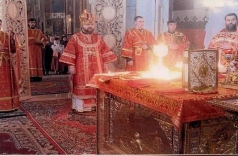 Ποια ώρα γεμίζουν οι Εκκλησίες με Αγγέλους; Συγκλονίζει η Γερόντισσα Λαμπρινή!