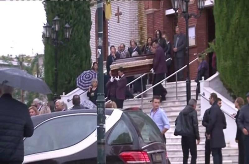 Θρήνος στην κηδεία της καθηγήτριας: Οι τελευταίες δραματικές στιγμές της! (Video)