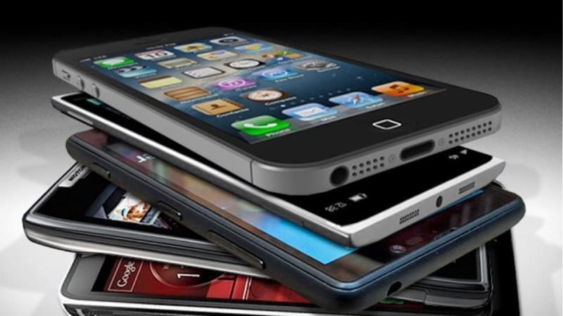 Σοκ: Χειροπέδες σε άντρα που πουλούσε «μαϊμού» κινητά τηλέφωνα μέσω ίντερνετ!