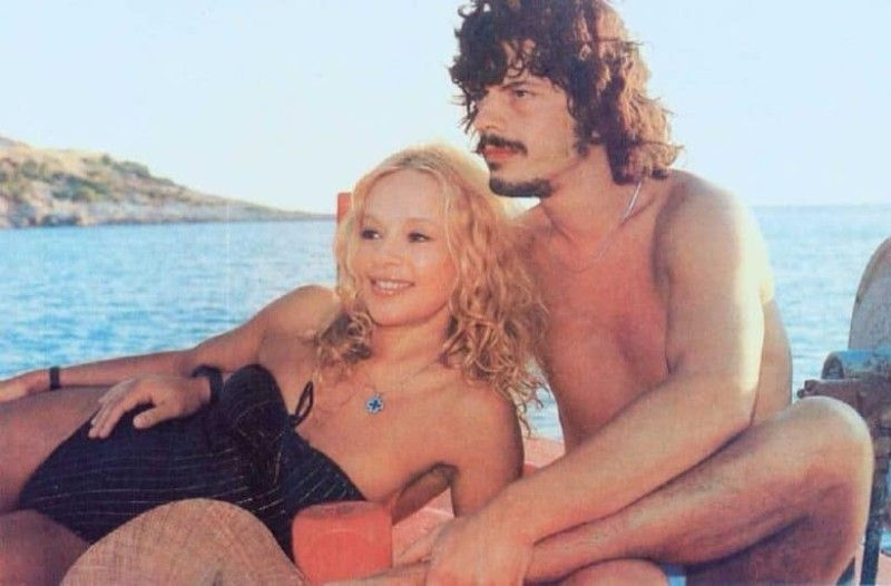 Ο παθιασμένος έρωτας της Αλίκης και του Βλάση μέσα από τρυφερές φωτογραφίες!