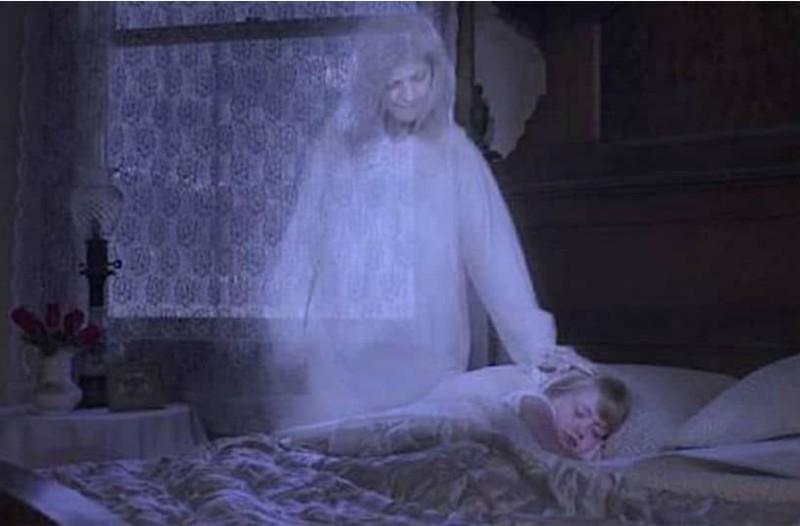 Σας έχει επισκεφθεί στον ύπνο σας ένα αγαπημένο πρόσωπο που χάσατε; Δείτε πώς θα το καταλάβετε!