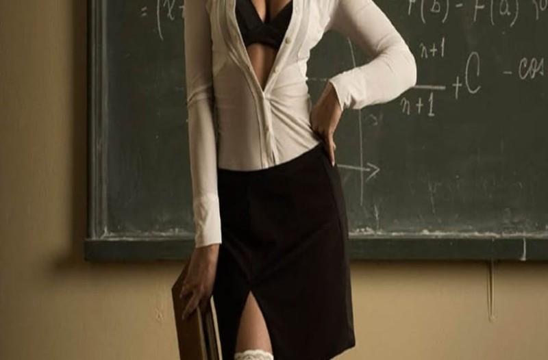 Σαλος! Παραιτήθηκε καθηγήτρια μαθηματικών από σχολείο! Την κατηγορούσαν ότι είναι πορνοστάρ! (photos)