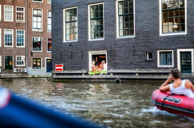 Απίστευτο: Γιατί στην Ολλανδία δεν τους αρέσουν οι κουρτίνες;