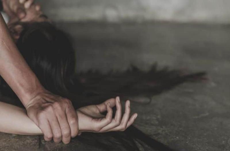 Κέντρο Μεταναστών Ριτσώνας: Πατέρας κτήνος εξανάγκαζε 8χρονο κοριτσάκι να του κάνει στοματικό έρωτα