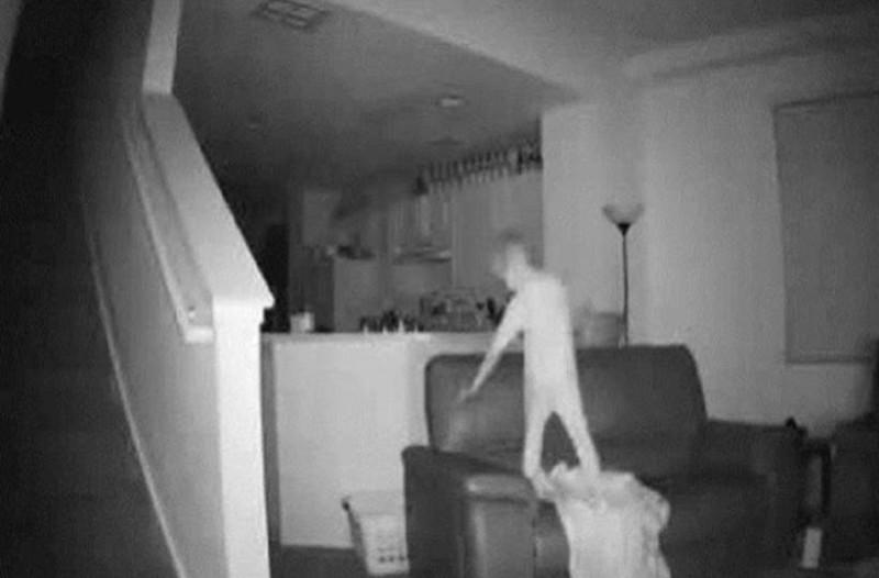 Πατέρας με κρυφή κάμερα κατέγραψε τον 6χρονο γιο του επειδή φερόταν περίεργα να κάνει κάτι ανατριχιαστική στις 2 τα ξημερώματα!