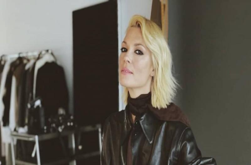 Βίκυ Καγιά: Έκανε πάταγο το πουκάμισο από τα H&M που φόρεσε! Κοστίζει κάτω από 20 ευρώ!