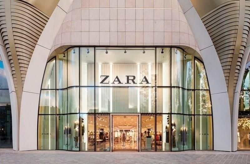 ZARA: Το θηλυκό μαύρο φόρεμα που σε δείχνει πιο αδύνατη από ποτέ κοστίζει μόνο 16 ευρώ!