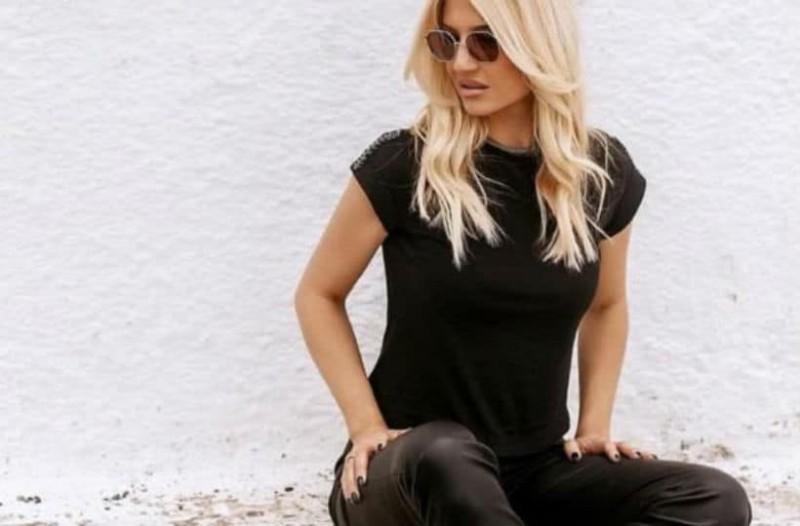 Φαίη Σκορδά: Φόρεσε το πουλόβερ που σίγουρα θες κι εσύ!