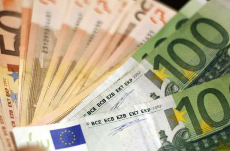 500,600 και 800 ευρώ στους λογαριασμούς σας: Έρχεται επίδομα ανάσα!