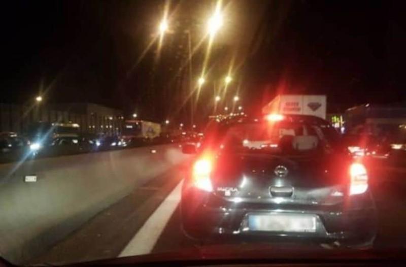 Τροχαίο στην Αθηνών-Λαμίας! Μεγάλο μποτιλιάρισμα!
