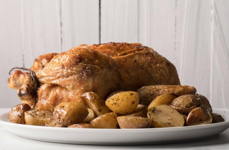 Το απόλυτο κοτόπουλο με πατάτες στο φούρνο!