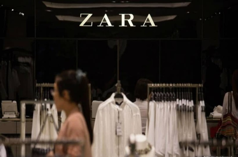 ZARA: Βρήκαμε το τέλειο εμπριμέ πουκάμισο που είναι πάμφθηνο!