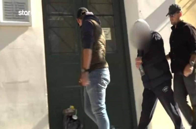 Δολοφονία στα Μέγαρα: Τι είπε στην απολογία του ο 50χρονος; (Video)