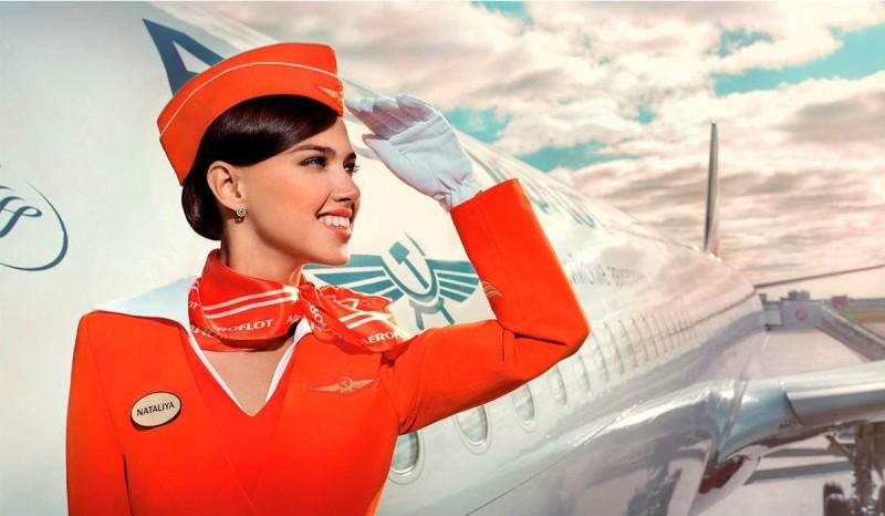 Εσείς ξέρετε γιατί οι αεροσυνοδοί βάζουν τα χέρια τους πίσω από την πλάτη;