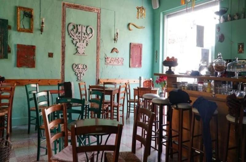 Ο Γιάννης, το καφενείο και ο κουμπάρος... το ανέκδοτο της ημέρας (9/11)!