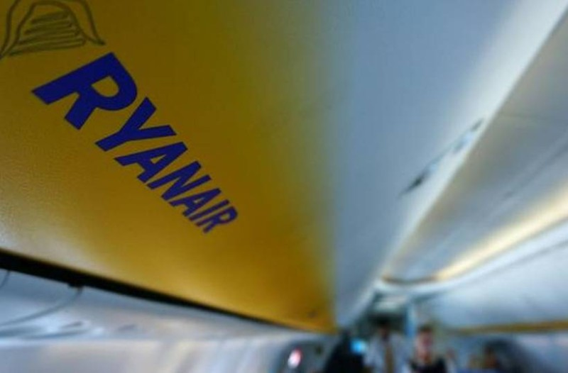 Ryanair Χριστούγεννα: Απίστευτη προσφορά με εισιτήρια από 9,99 ευρώ!