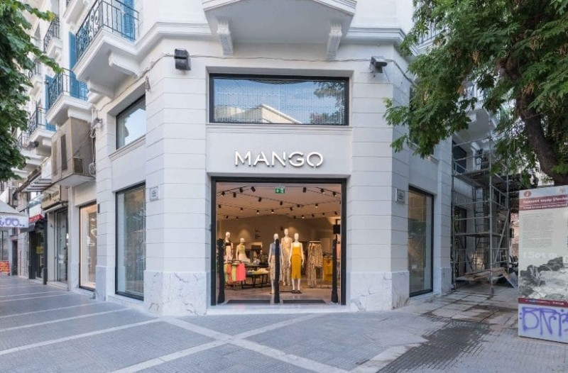 Mango: Το φόρεμα που θυμίζει σακάκι έγινε η νούμερο ένα επιλογή της Vogue!