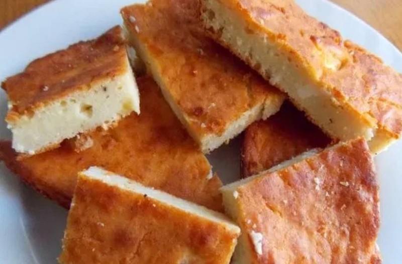 Τυρόπιτα φούρνου με ξινομυζήθρα χωρίς φύλλο!