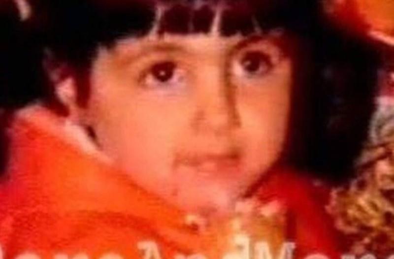 Το κοριτσάκι της φωτογραφίας είναι η Νο1 star της Ελλάδας! Μπορείτε να την αναγνωρίσετε;