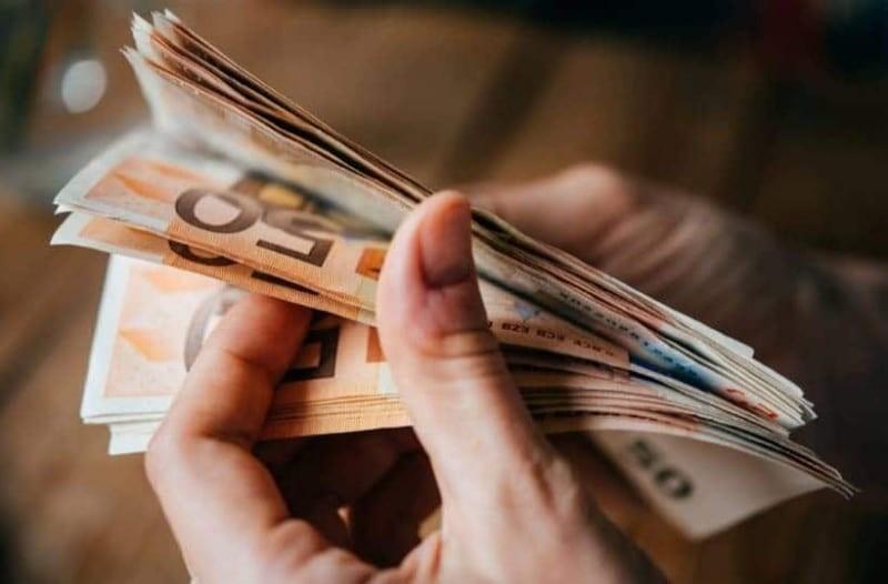 Επίδομα γέννας 1.000 ευρω