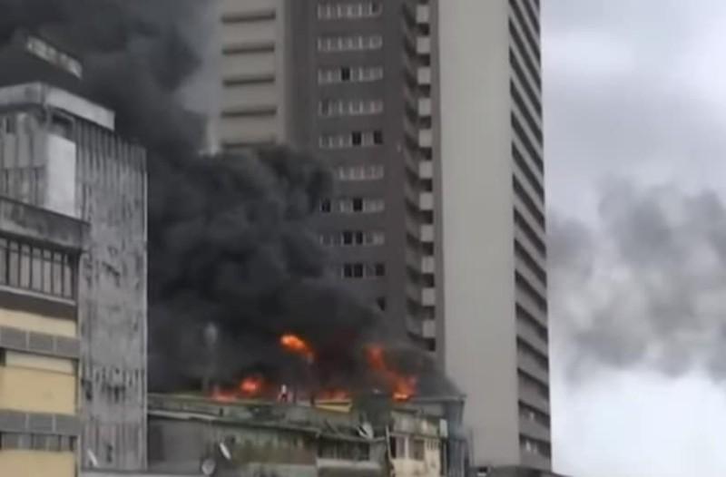 Νιγηρία: Πυρκαγιά σε κτίριο σε κεντρική αγορά!