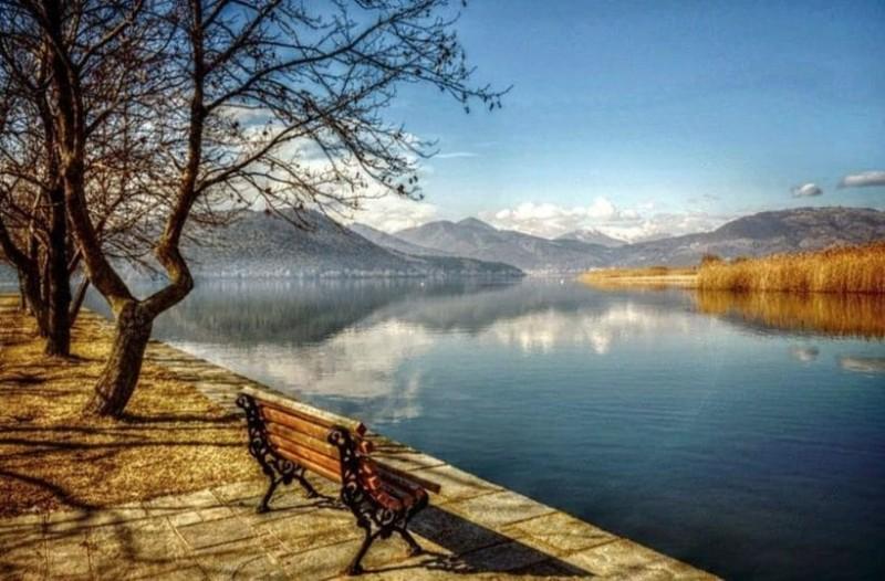 Πτώμα στην λίμνη της Καστοριάς!