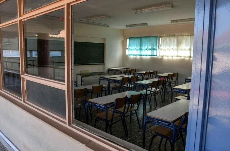 Συναγερμός στην Κρήτη: Μαθητής πήδηξε από το μπαλκόνι του σχολείου!