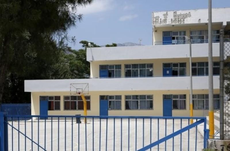 Θεσσαλονίκη: 14χρονος επιτέθηκε με σιδερογροθιές σε σχολείο!