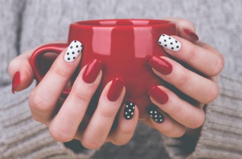 Δείξε μου τι χρώμα βάφεις τα νύχια σου να σου πω ποια είσαι!