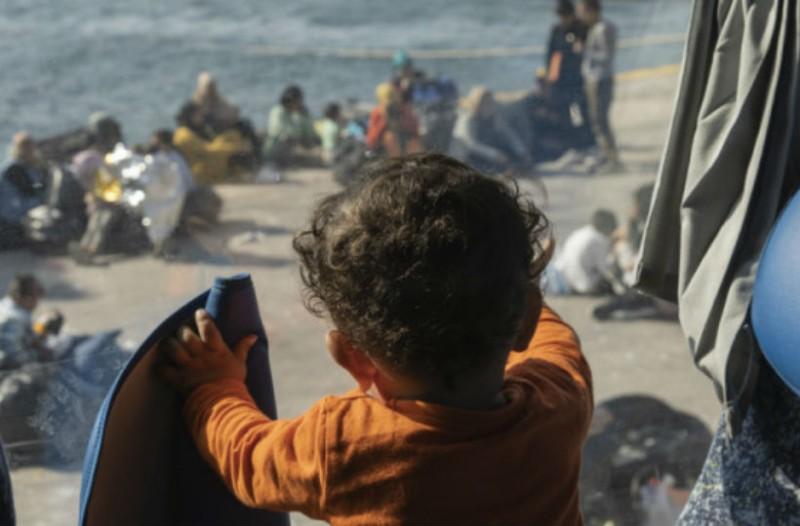 Μεταναστευτικό: Κλείνουν τα hotspot σε Μόρια και Βαθύ!