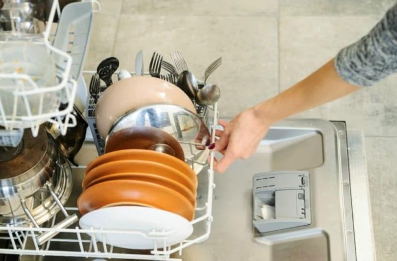 Αυτά είναι τα αντικείμενα που μπαίνουν στο πλυντήριο πιάτων και δεν είχαμε ιδέα!