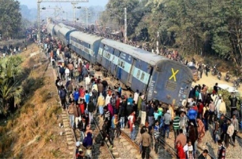 Σύγκρουση τρένων στο Μπαγκλαντές: Τουλάχιστον 16 νεκροί και 60 τραυματίες!