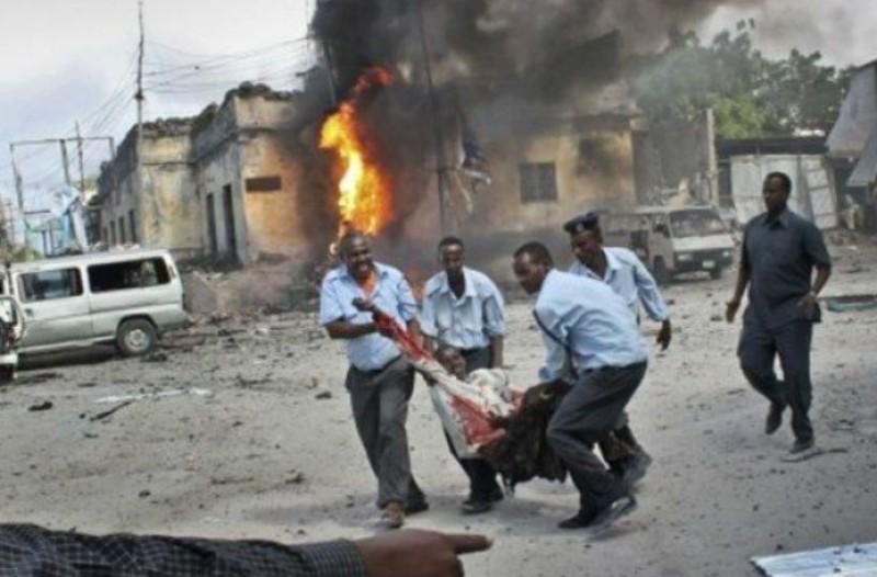 Τραγωδία στη Σομαλία: Τουλάχιστον 100 νεκροί από έκρηξη βόμβας!