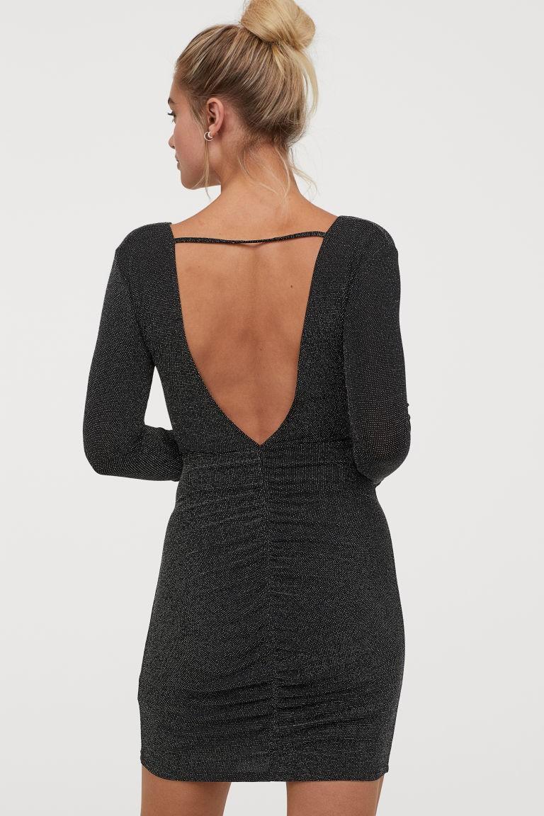 H&M: Το πιο λαμπερό φόρεμα