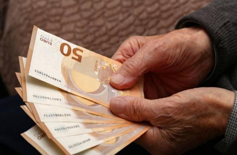 Συντάξεις: Αυτοί θα πάρουν αναδρομικά μέχρι και 9.100 ευρώ!
