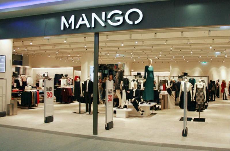 Mango: Βρήκαμε την φούστα μίνι tweed με κουμπιά που θα λατρέψεις! Είναι πάμφθηνη!