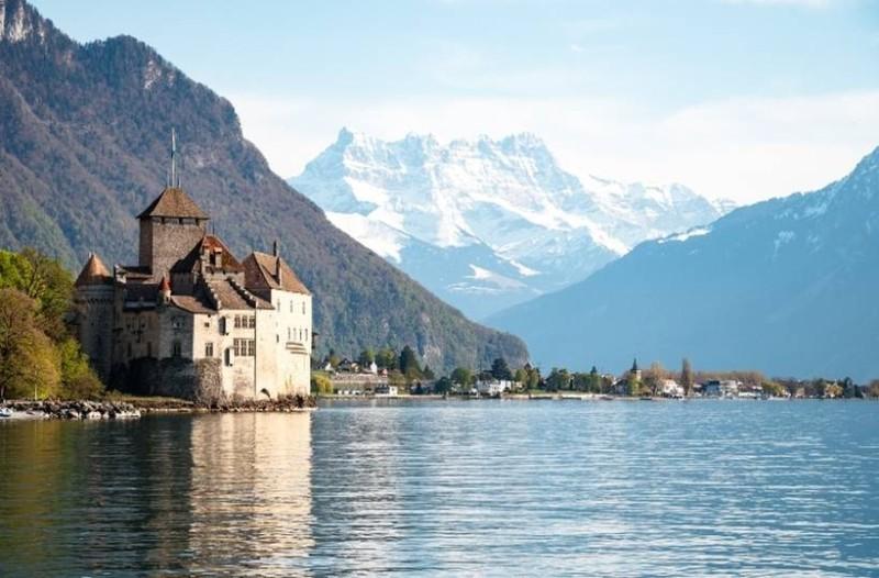 Η φωτογραφία της ημέρας: Στις λίμνες της Βορείου Ιταλίας!
