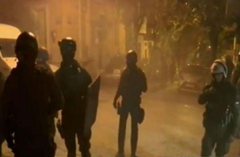 Συναγερμός στου Κουκάκι: Εκκένωση τριών κτιρίων που βρίσκονται υπό κατάληψη!