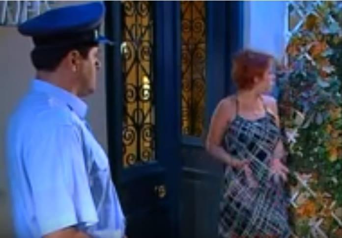 Κωνσταντίνου και Ελένης: Η Βλαχάκη βγήκε να μιλήσει στον Αστυνόμο! 20 χρόνια μετά παρατηρήσαμε το απίθανο!