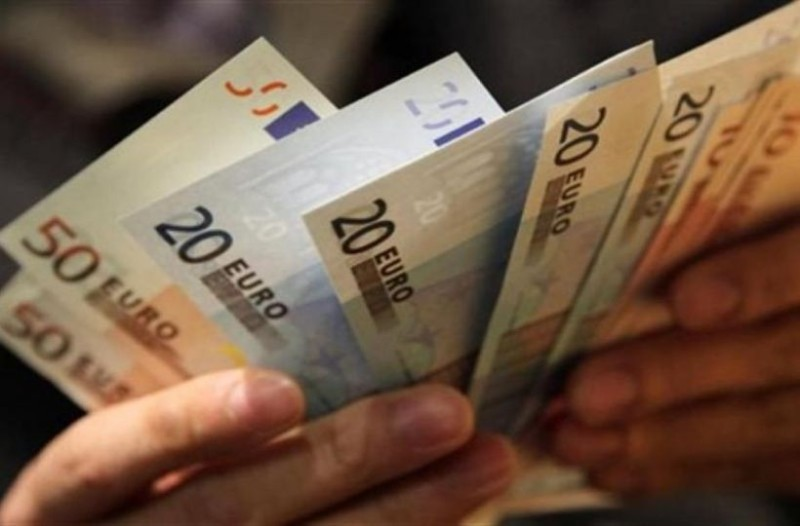 Κοινωνικό μέρισμα: Αυτοί θα πάρετε 700 ευρώ! (Video)
