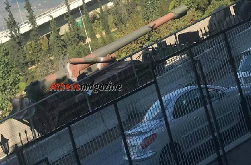 Απίστευτο: Βγήκαν τα τανκς στους δρόμους της Αθήνας!