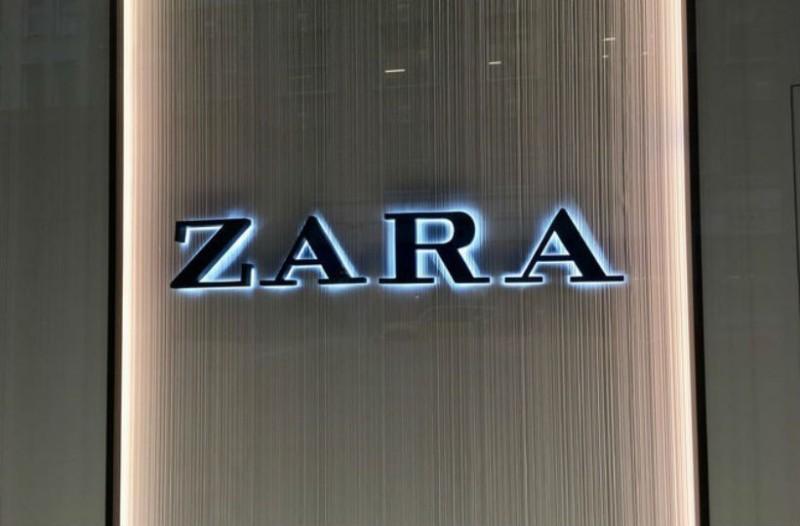 Zara: Ανακαλύψαμε το μπλέιζερ με απαλή υφή που πρέπει να αγοράσεις!