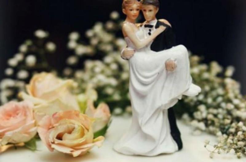 Αυτό το ζευγάρι παντρεύτηκε στις Μαλδίβες. Μόλις ολοκληρώθηκε η τελετή έγινε το απίστευτο!